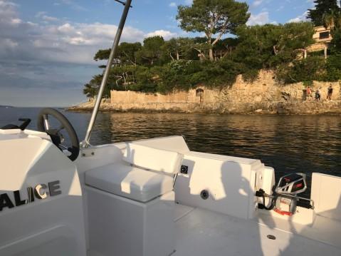 Sans Permis Lagoon 55 entre particuliers et professionnel à Beaulieu-sur-Mer
