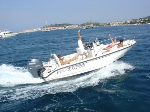 Location bateau Boston Whaler Boston Whaler 18 Dauntless à Saint-Tropez sur Samboat