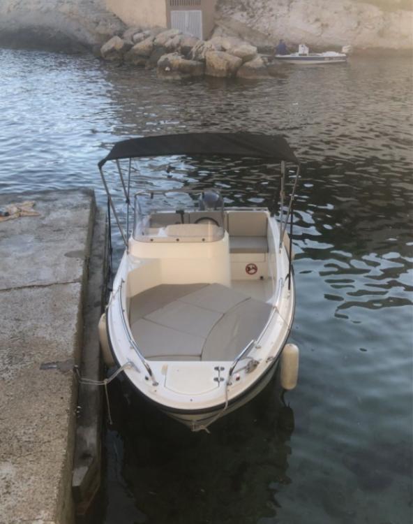 Rent a Quicksilver Activ 455 Open Marseille