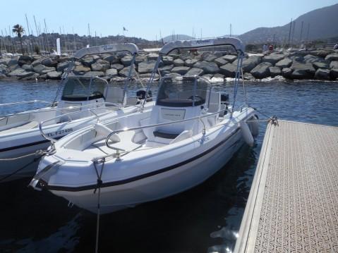 Location bateau Saint-Raphaël pas cher Voyager 18 S