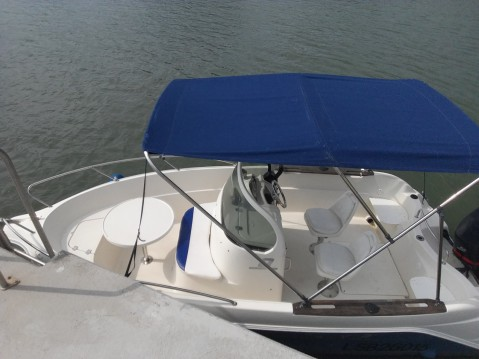 Louer Bateau à moteur avec ou sans skipper Quicksilver à Vannes