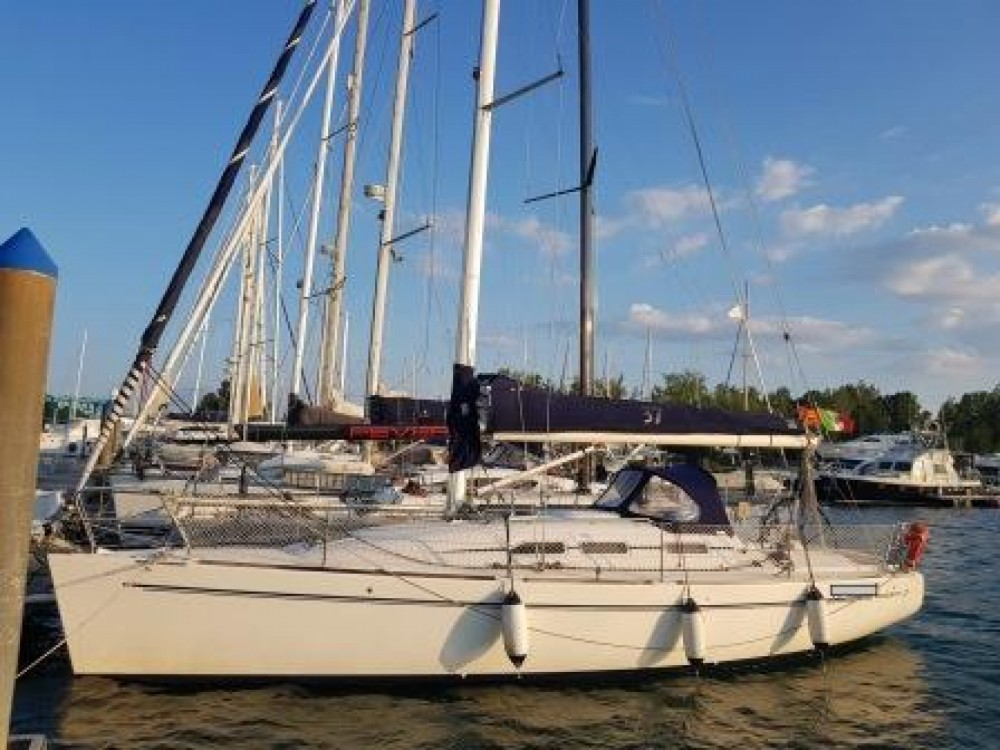 Location bateau Elan Elan 37 à  sur Samboat