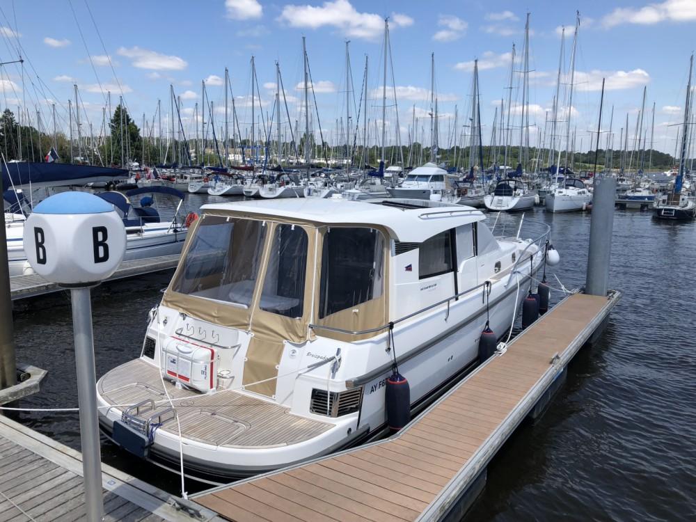 Alquiler de barcos Nimbus Nimbus 365 Coupé enQuiberon en Samboat