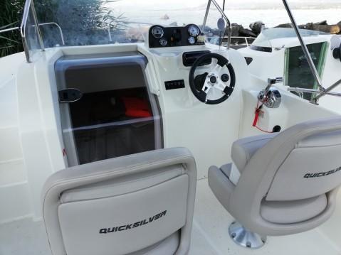 Location bateau Excenevex pas cher Activ 675 Sundeck