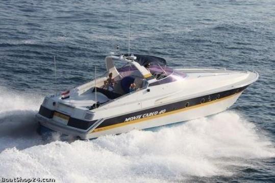 Louer Bateau à moteur avec ou sans skipper Riva à Castelló d'Empúries