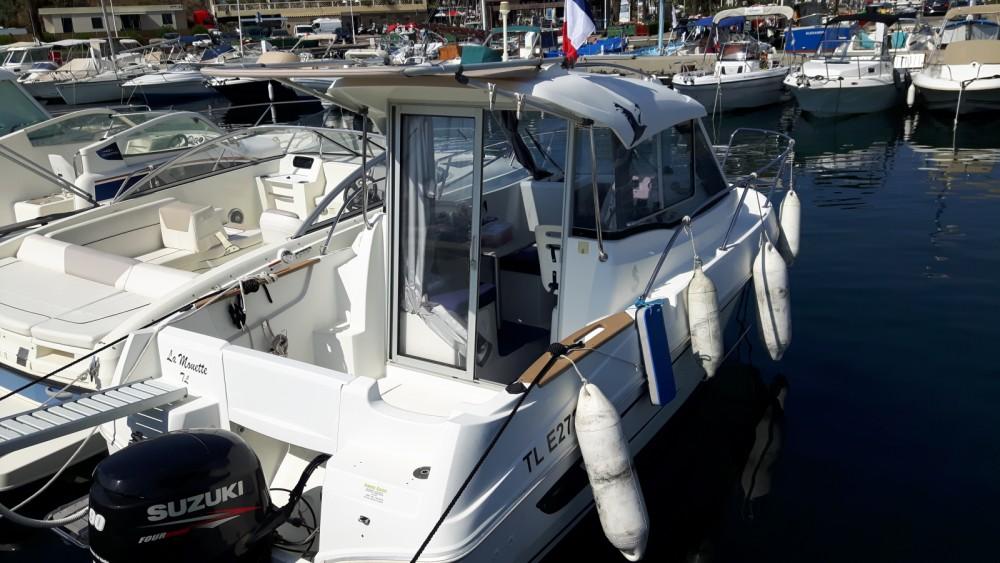 Bateau à moteur à louer à Cavalaire-sur-Mer au meilleur prix