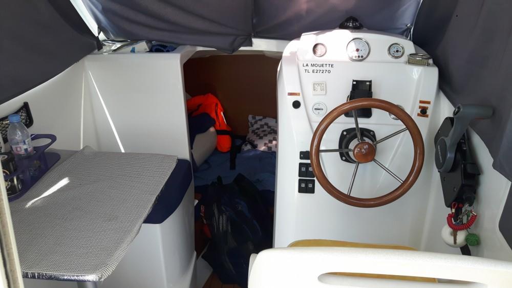 location bateau  u00e0 moteur b u00e9n u00e9teau antares 580 antares 580