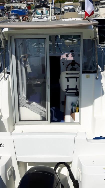Louer Bateau à moteur avec ou sans skipper Bénéteau à Cavalaire-sur-Mer