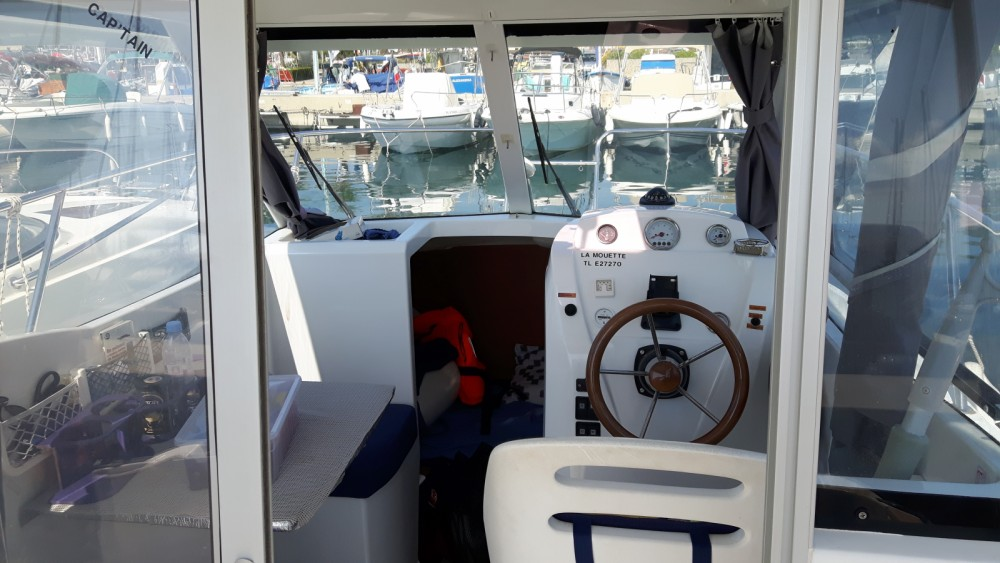 Location bateau Cavalaire-sur-Mer pas cher Antares 580