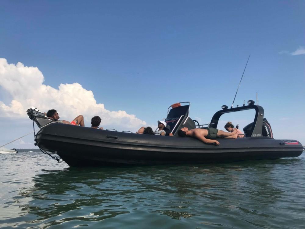 Louer Semi-rigide avec ou sans skipper Jmp-International à Lège-Cap-Ferret