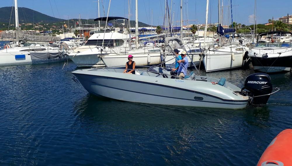 Motorboot mit oder ohne Skipper Clear mieten in Sainte-Maxime