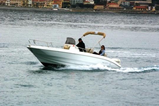 Bateau à moteur à louer à Sanremo au meilleur prix