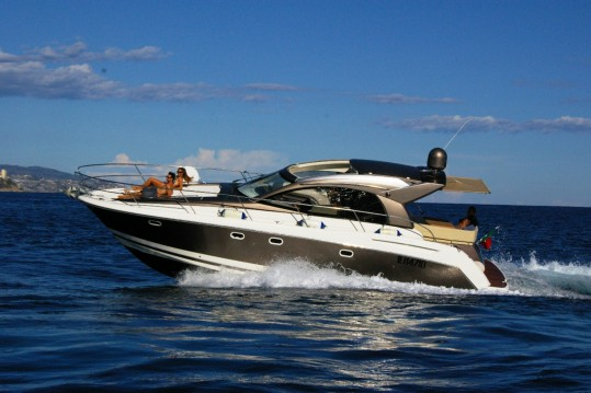 Hire Motor boat with or without skipper Jeanneau Bordighera