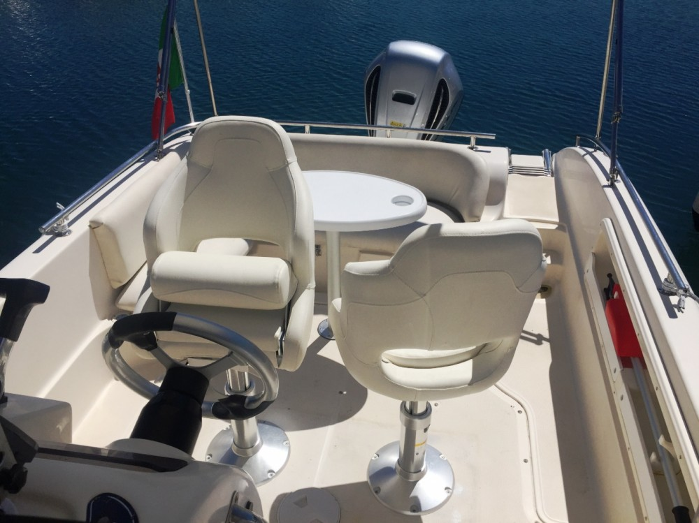 Bootsverleih Ranieri Shadow 23 Bordighera Samboat