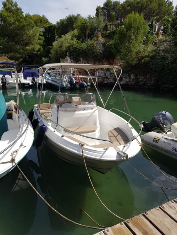 Alquiler de yate Fornells - Jeanneau Cap Camarat 5.5 CC Serie 2 en SamBoat