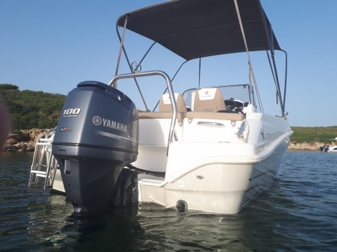 Location bateau Jeanneau Cap Camarat 5.5 CC Serie 2 à Fornells sur Samboat
