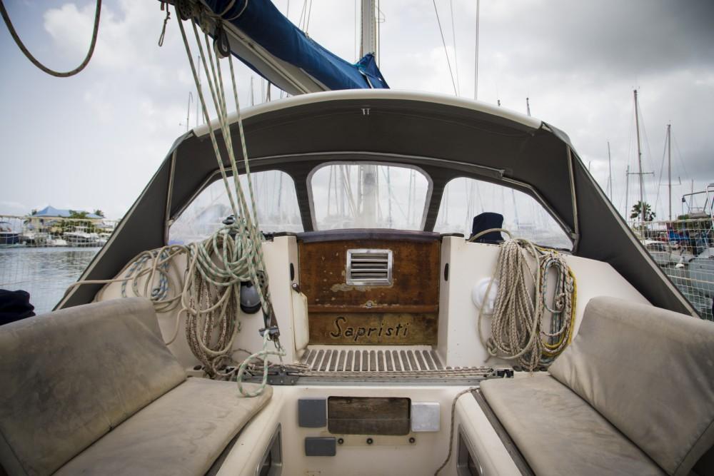 Louer Voilier avec ou sans skipper Jeanneau à Le Gosier