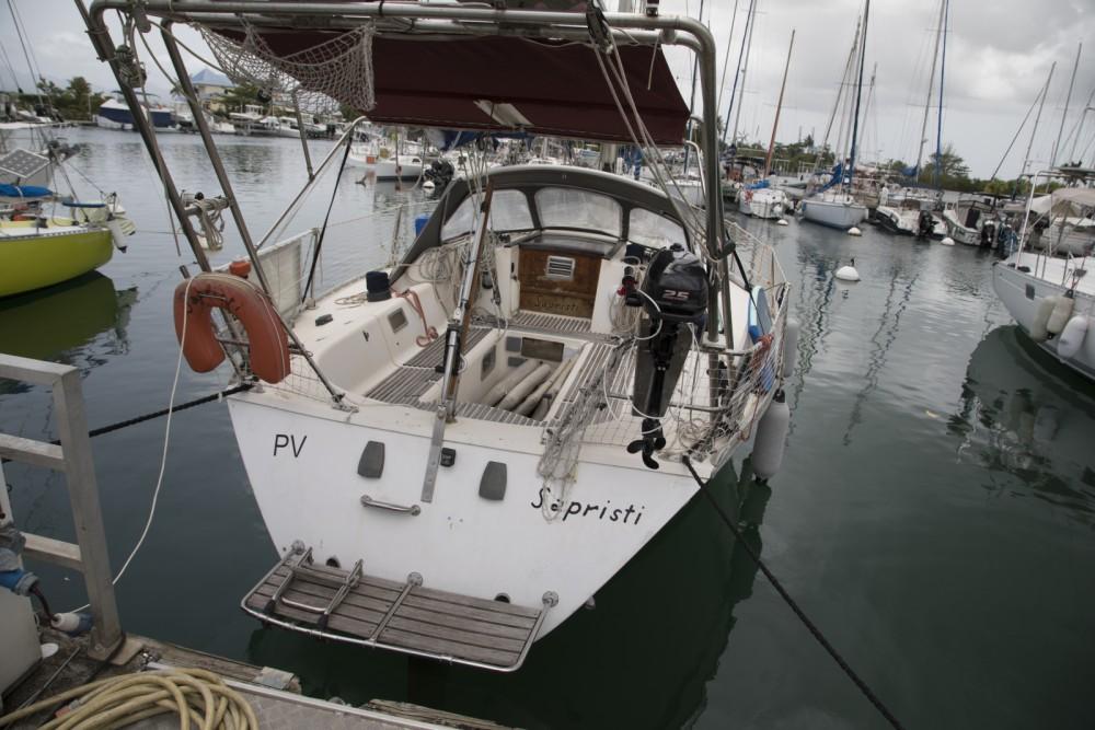 Location bateau Jeanneau Sun Shine 38 à Le Gosier sur Samboat