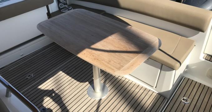Location bateau Sainte-Maxime pas cher Cap Camarat 8.5 CC