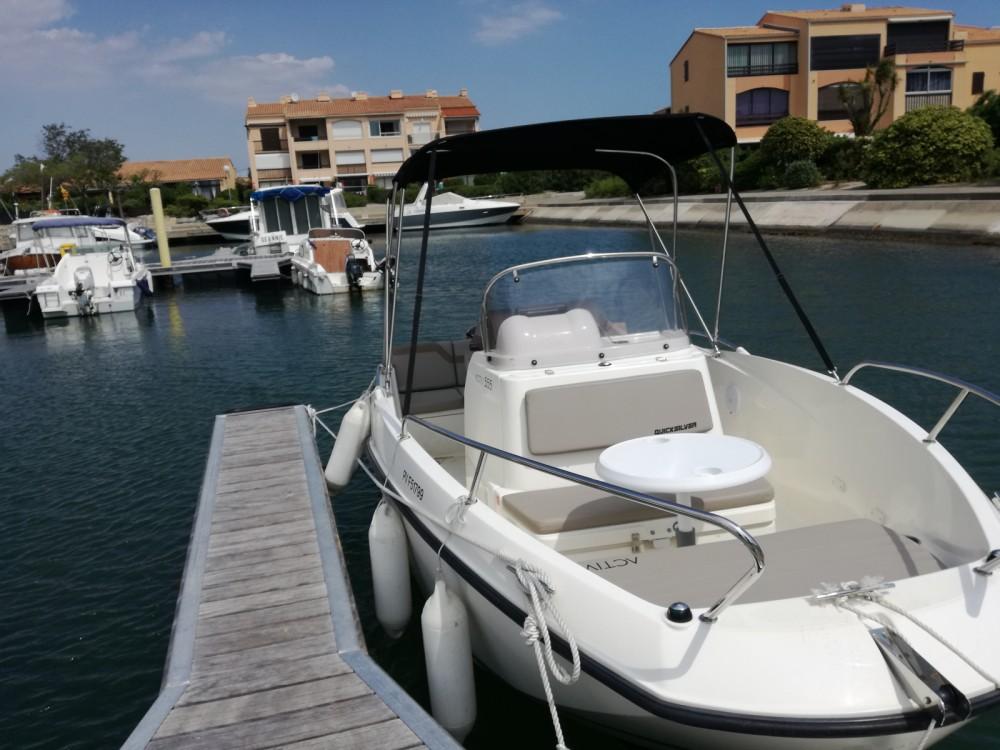 Barca a motore a noleggio Saint-Cyprien al miglior prezzo