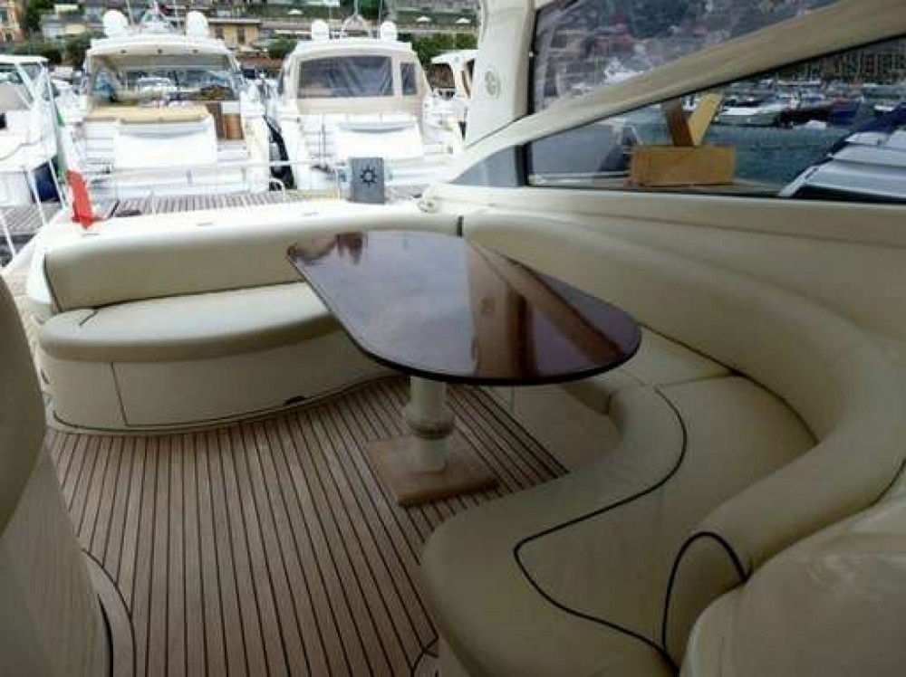 Location Yacht Baia avec permis
