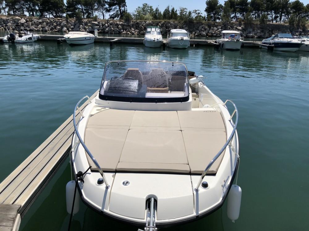 Location bateau Marseille pas cher Activ 675 Sundeck
