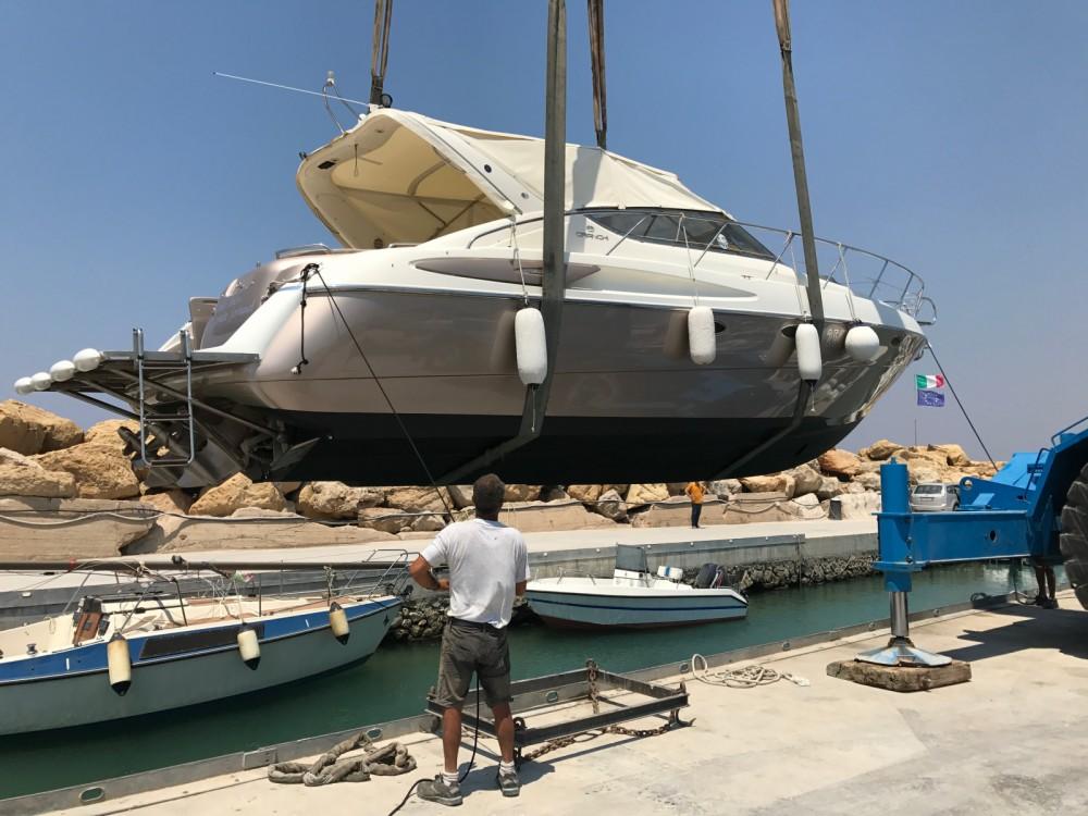 Location bateau Cranchi Endurance 39 à  sur Samboat