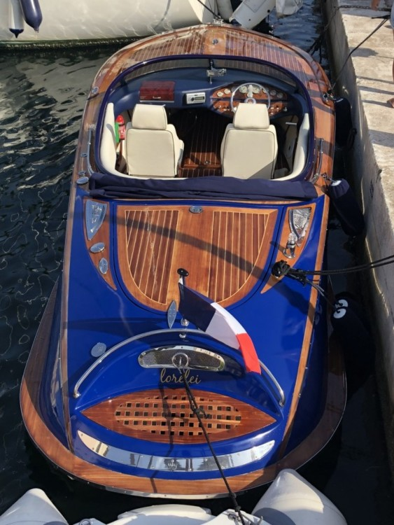 Rental Motor boat Kral with a permit
