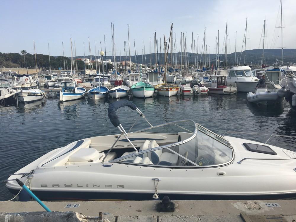location bateau  u00e0 moteur bayliner capri chenook 2