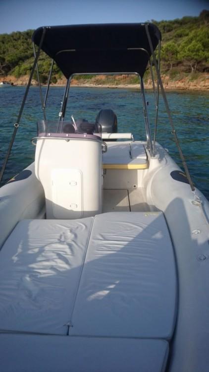 Louez un Motonautica-Vesuviana MV 570 Comfort à Hyères