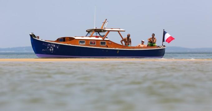 Louer Bateau à moteur avec ou sans skipper Pinasse à Arcachon