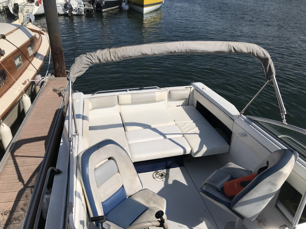 Hire Motor boat with or without skipper Four Winns Arcachon