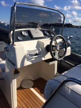 Location bateau Lège-Cap-Ferret pas cher Valiant 750 DR