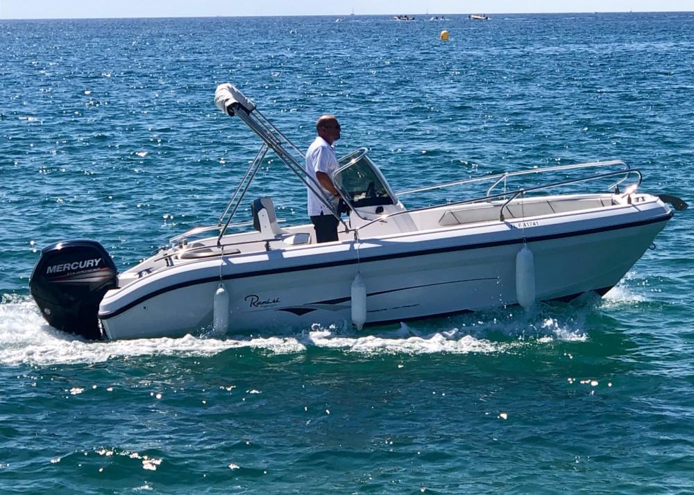 Location bateau Fréjus pas cher Voyager 18 S