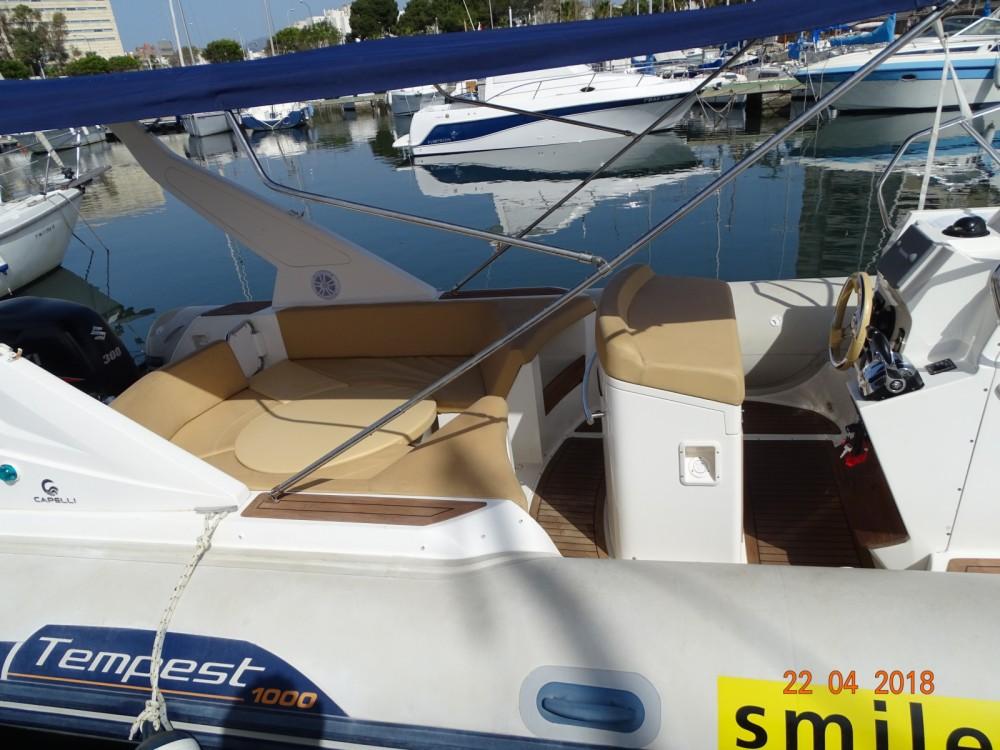 Louer Semi-rigide avec ou sans skipper Capelli à Palma