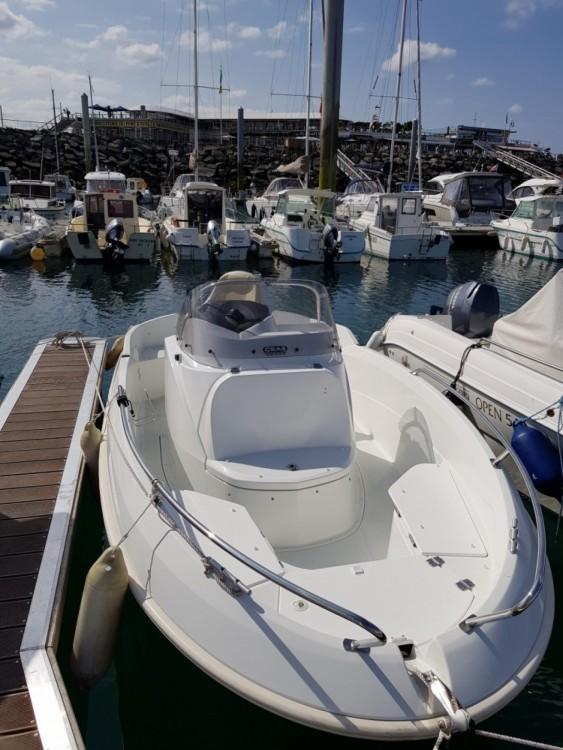 Motorboot mieten in Saint-Quay-Portrieux - Bénéteau Flyer 5