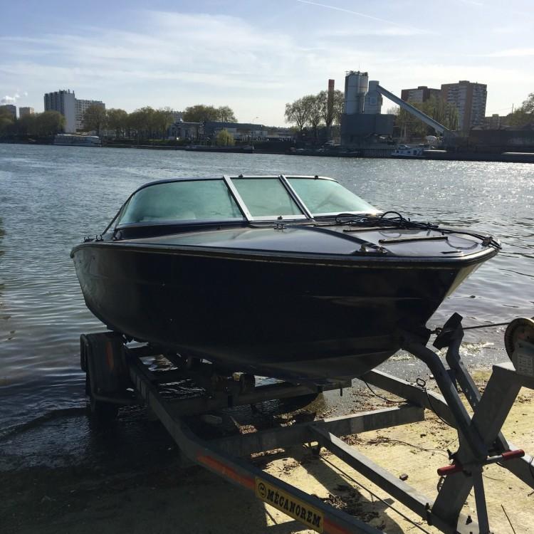 Boat rental Almarine Almar 180 in Savines-le-Lac on Samboat