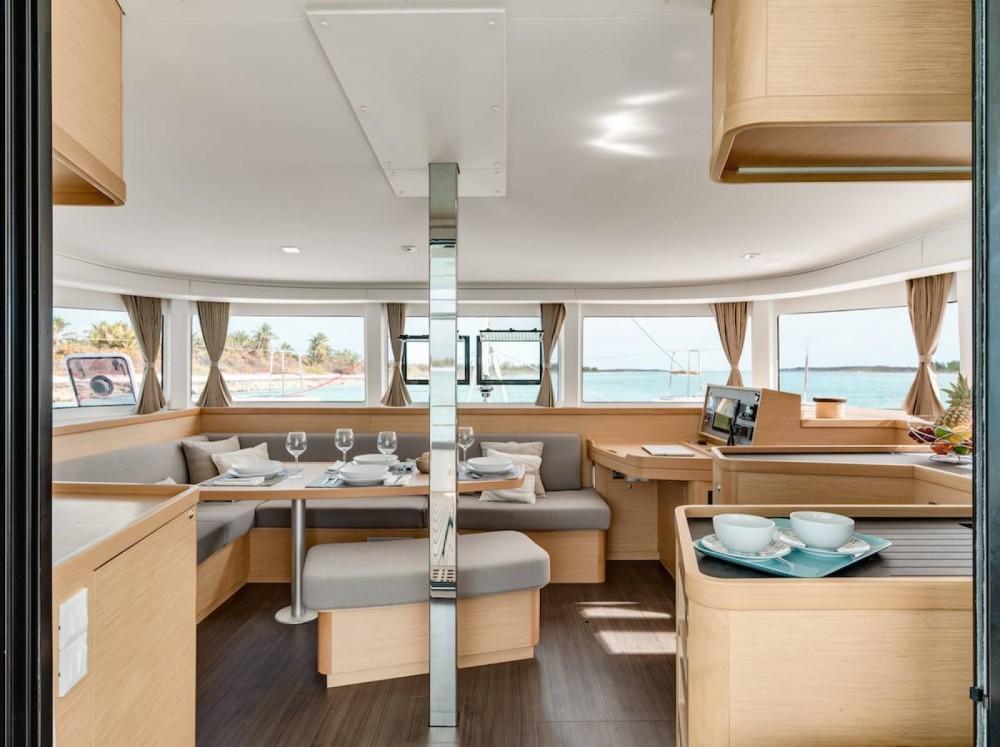 Location bateau Ibiza pas cher Lagoon 42