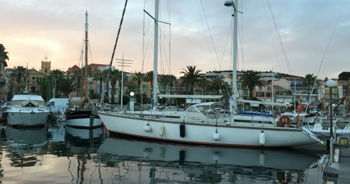 Hire Sailboat with or without skipper Amel Bastia