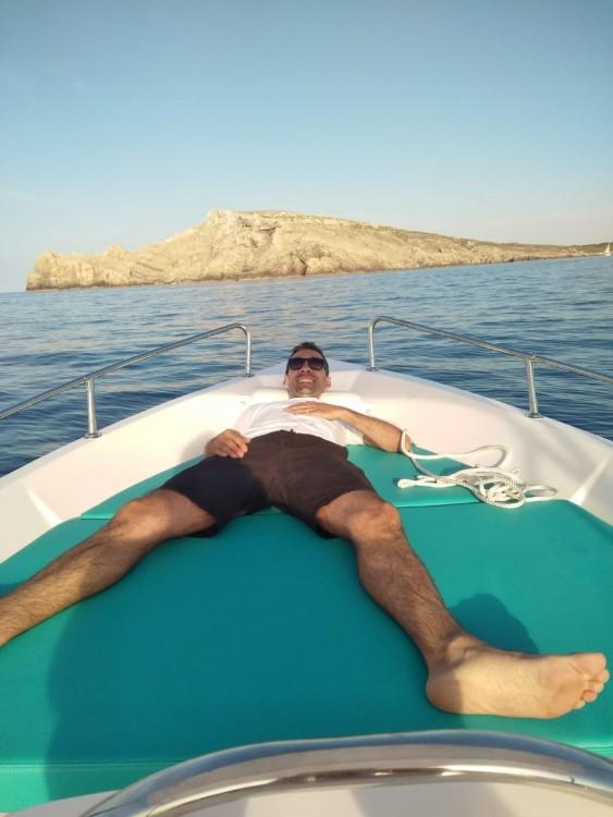 Alquiler Lancha Estable con título de navegación