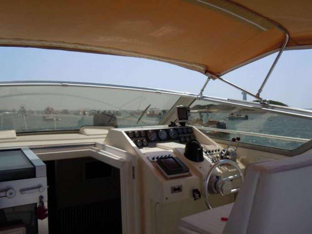 Hire Motor boat with or without skipper Mochi Craft Salerno