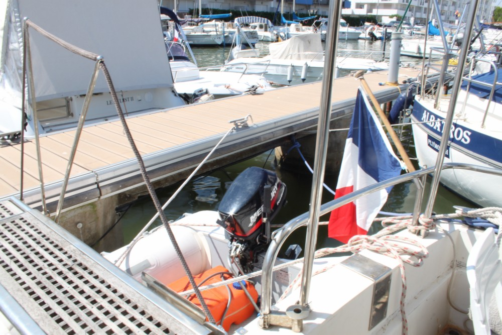Location bateau Guy Couach Guy Couach 1150 Fly à Roses sur Samboat