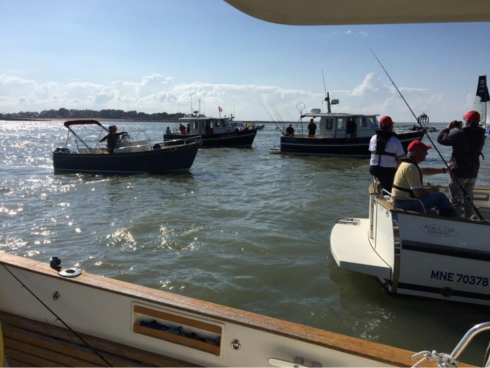 Louer Bateau à moteur avec ou sans skipper Rhea à La Rochelle