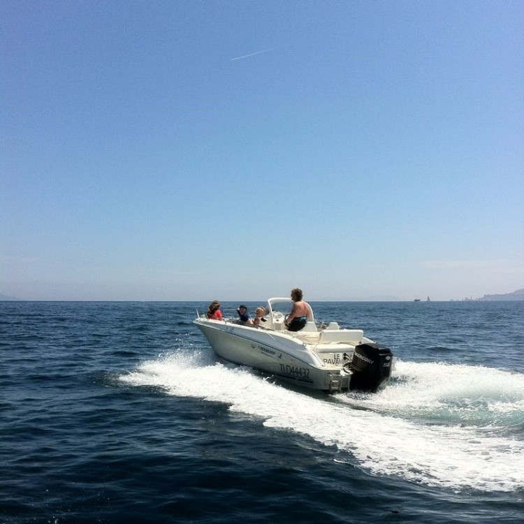 Rental Motor boat Quicksilver with a permit