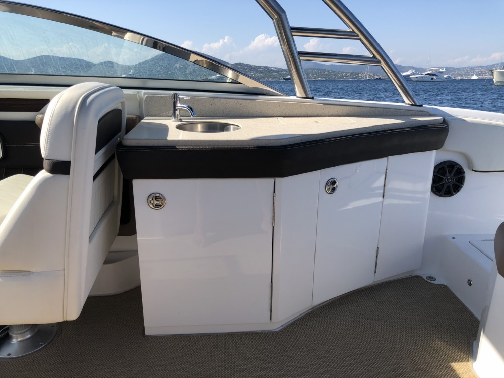 Hire Motor boat with or without skipper Cobalt Sainte-Maxime