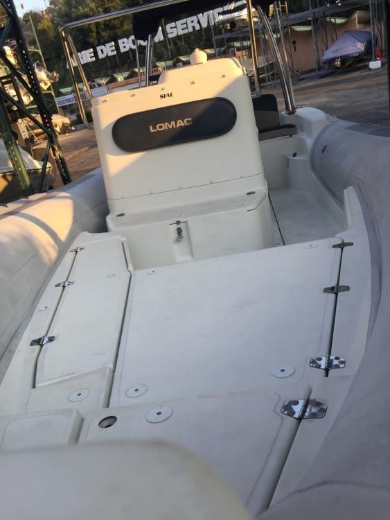 Location bateau Mandelieu-la-Napoule pas cher Lomac 660 IN