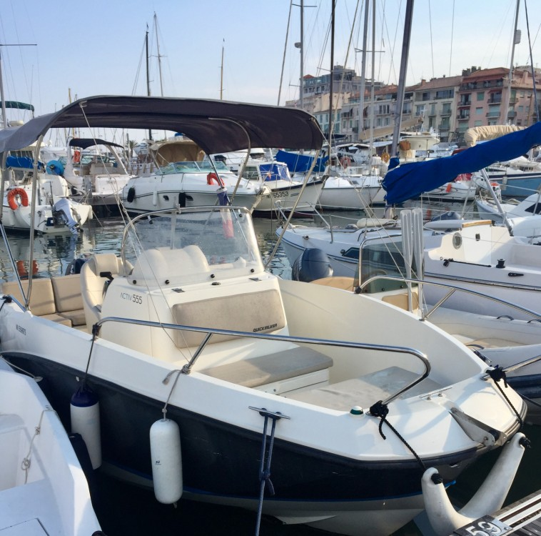 Boat rental Cannes cheap Activ 555 Open