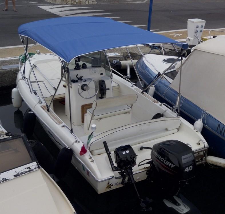 Louer Bateau à moteur avec ou sans skipper Capelli à Antibes