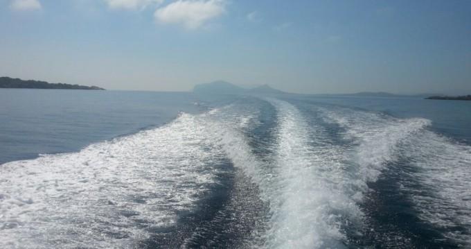 Louer Bateau à moteur avec ou sans skipper Sessa Marine à Olbia