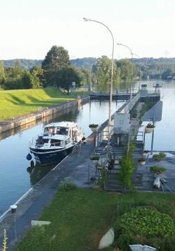 Louez un Valkmeer Vedette Hollandaise à Soissons